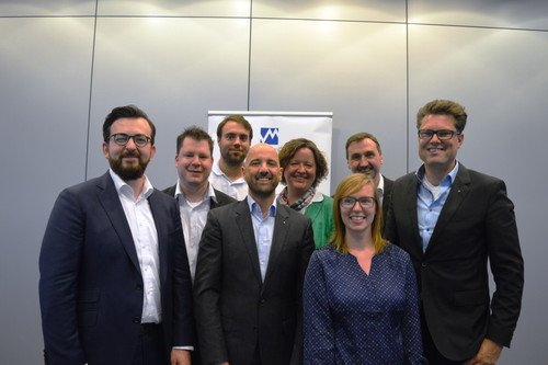 v.l.n.r. Christian Gondek, Christian Scherschel, Marius Blum, Markus Pließnig, Britta Becker, Renée Sachse, Richard Röhrhoff, Hans Piechatzek.